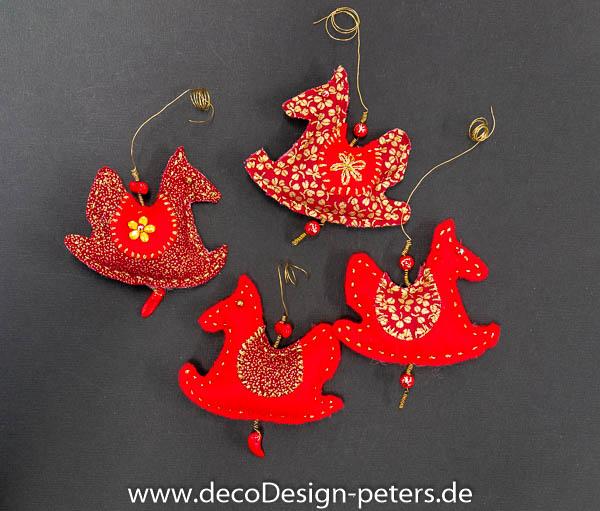 """Weihnachtlicher Anhänger """"Schaukelpferdchen"""" (c)decoDesign-peters"""
